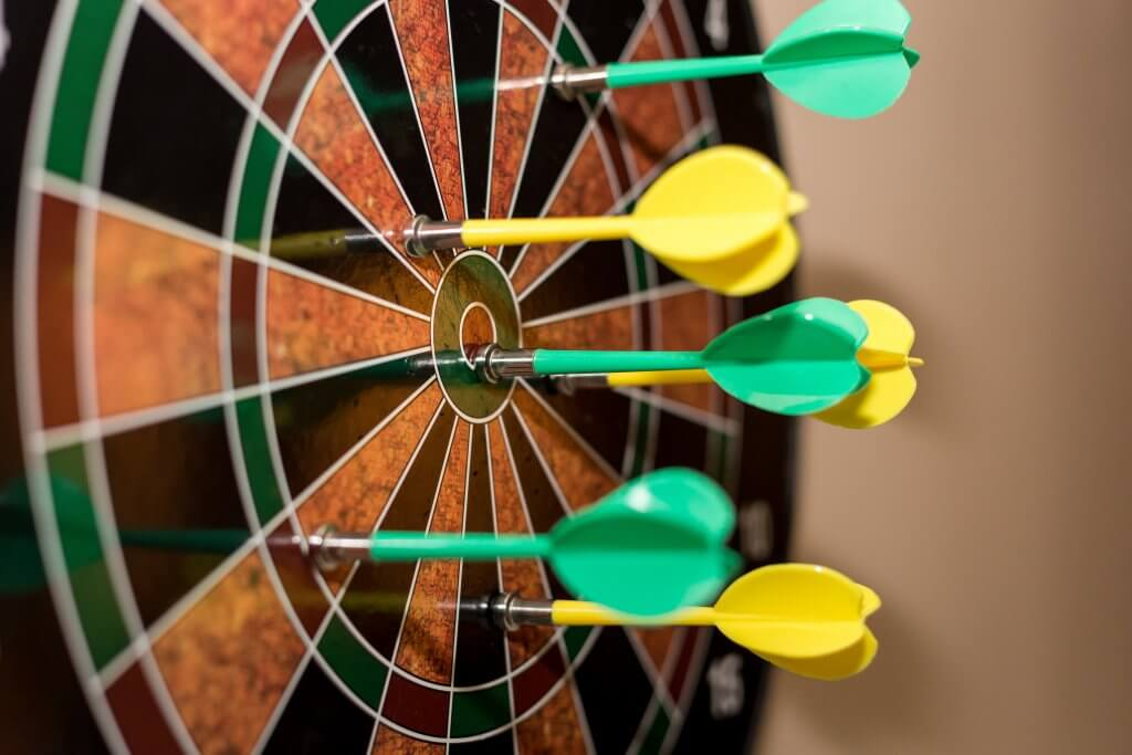 Darts game to incentive call center game